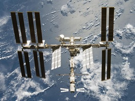 ISS a ATV 1 při odletu STS-124 před třemi lety