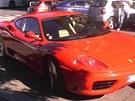 Leoš Mareš prodal své červené Ferrari rádiu, aby ho dalo do soutěže.