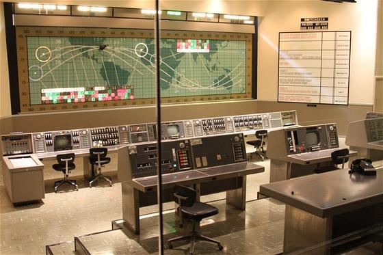 """Kennedyho vesmírné středisko - """"původní řídící středisko je dnes umístěno v"""