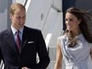 Princ William s man�elkou Kate p�i p��letu do Los Angeles (2011).