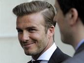 David Beckham s osl�ující patkou a la Brandon Walsh