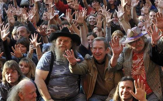 Trutnov 2008 - Václav Havel a přátelé při překonání rekordu v pořízení největší...