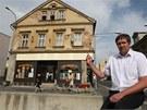 Místostarosta Jablonce nad Nisou Miloš Vele u dnes už neexistujícího domu