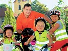 Hejtman David Rath bez helmy na billboardu St�edo�esk�ho kraje