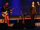 Suzanne Vega při svém koncertu v Olomouci, na který se na Horní náměstí přišly