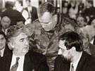VÁLEČNÍ ZLOČINCI. Vůdce bosenských Srbů Radovan Karadžič (vlevo), vrchní