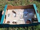 P�edm�ty nalezen� p�i archeologick�m pr�zkumu na n�m�st� 28. ��jna v Hradci
