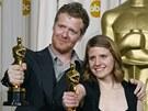 Oscar - Glen Hansard a Markéta Irglová s cenou za nejlepší filmovou píseň -