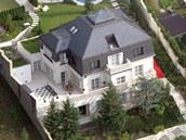 Luxusní vila v Černošicích u Prahy, ve které před svým útěkem žil Radovan
