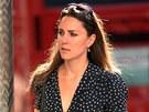 Vévodkyně ještě coby Kate Middletonová měla na procházce v Chelsea stejné šaty...