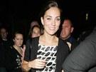 Stejný model měla Kate Middletonová, když si se sestrou Pippou vyšly do ulic...