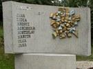 Osm obětí studénecké tragédie má po třech letech důstojný památník. Nechybějí
