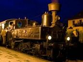 """Lokomotiva """"Kafemlejnek"""" při jízdách historického vlaku během Bezdružického"""