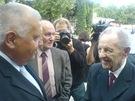 Milouš Jakeš s Miroslavem Štěpánem na pohřbu herečky a političky Jiřiny Švorcové (Praha, 12. srpna 2011)