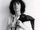 Patti Smith na obal alba Horses vyfotil její partner Robert Mapplethorp.