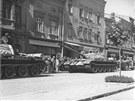 Tanky okupantů v ulicích Hranic v srpnu 1968