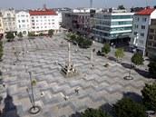 P�i pohledu z v�e star� radnice vypad� Masarykovo n�m�st� v Ostrav� tak�ka