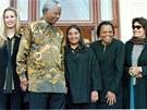 Snímek z 6. června 1999, na kterém je někdejší jihoafrický prezident Nelson