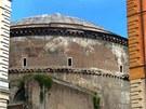 Pantheon - pohled od Piazza de Minerva
