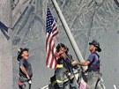 V New Yorku zasahovaly po útocích stovky hasičů a desítky jich zemřely mezi...