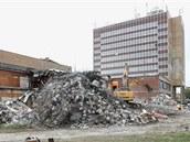 Demolice bývalého společenského sálu Sidia v sousedství olomouckého hotelu