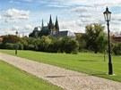 Cesta od Jízdárny Pražského hradu k Lumbeho vile