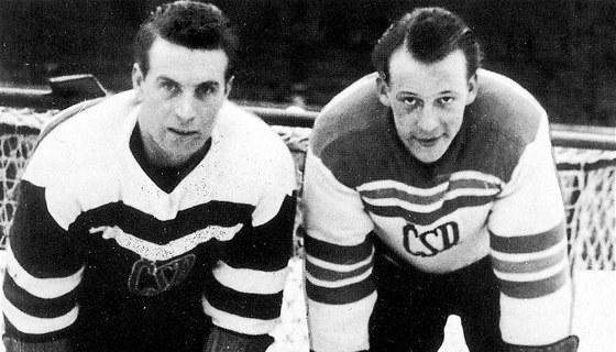 1948. Na olympi�d� ve Svat�m Mo�ici kraloval B�a Modr� (vlevo). Kv�li hor��mu