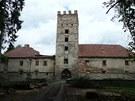 Na zámku v Brtnici se zřítila část střechy, zámek i park je do odvolání uzavřen.