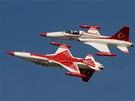 Akrobatická skupina Turkish Stars na Dnech NATO v Ostravě.