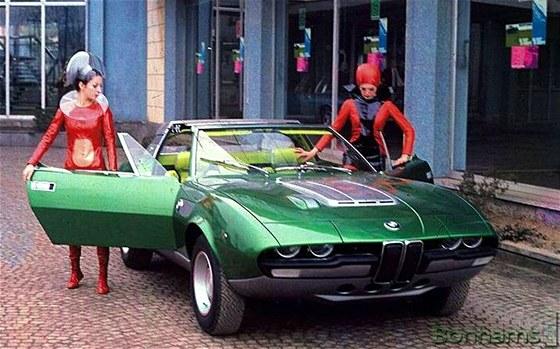 Dobový snímek Bertone BMW Spicup Convertible Coupe z roku 1969