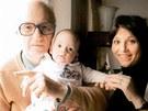 Alena Mihulová s manželem Karlem Kachyňou a dcerou