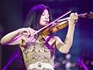 Kadyrovovi zahr�la i houslov� virtu�ska Vanessa Mae. Za sv�j koncert podle bulv�rn�ch den�k� dostala p�l milionu dolar�.