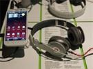 HTC Sensation XL bude v prodeji se speciáln� navr�enými sluchátky Beats. V...