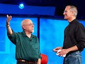 Walt Mossberg a Steve Jobs na konferenci All Things Digital (klikn�te pro cel� �l�nek)