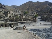Vesnice v údolí Dobandi v afghánském okrese Chuši