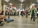 Asijské tržiště na jednom z nejfrekventovanějších míst v Brně. Tak vypadá už mnoho let podchod u hlavního nádraží.