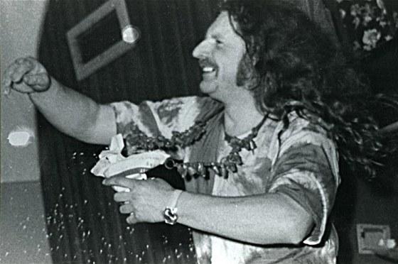 Milan Knížák při koncertu své skupiny Aktual v Music F Clubu v roce 1971