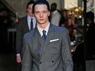 Trendy pánská móda: šedé obleky (DKNY)