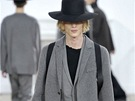 Trendy pánská móda: šedé obleky (Dior Homme)