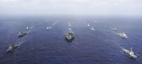 Americké vojenské cvičení v Tichém oceánu