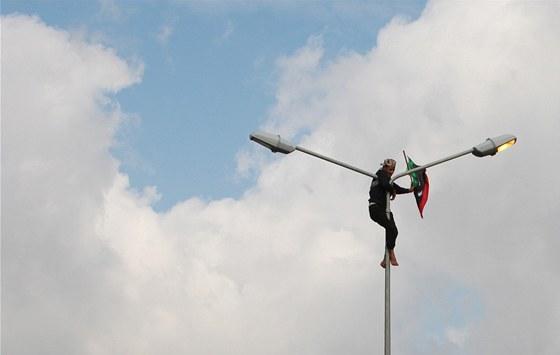 Libye stoj� na rozcest� mezi sv�tlou budoucnost� suver�nn�ho demokratick�ho