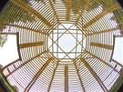 Kupole byla inspirov�na chr�mem Santa Maria del  Fiore ve Florencii.