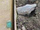 Zku�ebn� vrty odhalily v podlo�� d�lnice D1 na Ostravsku nejr�zn�j�� odpad..