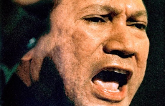 Panamský diktátor Manuel Noriega na archivním snímku