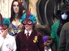 Michael Jackson a jeho děti Paris, Prince a Blanket v maskách (Los Angeles, 29.