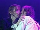 Zpěvačka Suzanne Vega a hudebník Ivan Král na večírku na počest Václava Havla v