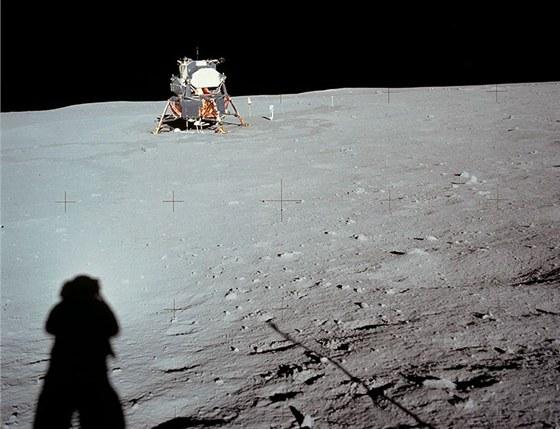 Apollo 11 - přistání na Měsíci