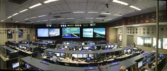 Panoramatická montáž - Středisko řízení vesmírných letů (ISS)