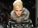 Model Andrej Pejic předvedl na přehlídce dámské konfence návrháře Jean Paula...