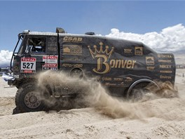 Tatra Tomáše Vrátného v sedmé etapě Rallye Dakar 2012.